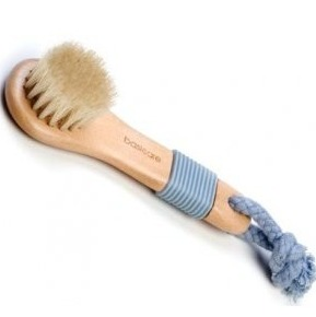 complexion-brush